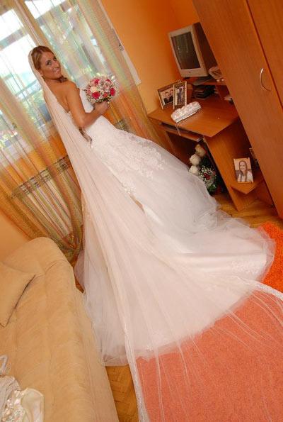 Jelena u venčanice Atelier Diagonal